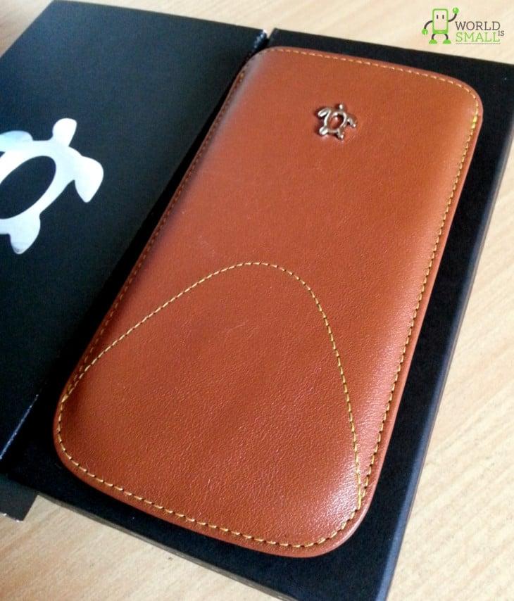 Galaxy S4 : Étui en cuir de luxe par Issentiel