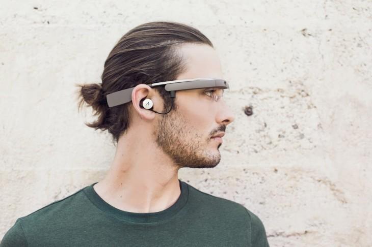 Google Glass 2.0 : une oreillette en plus !