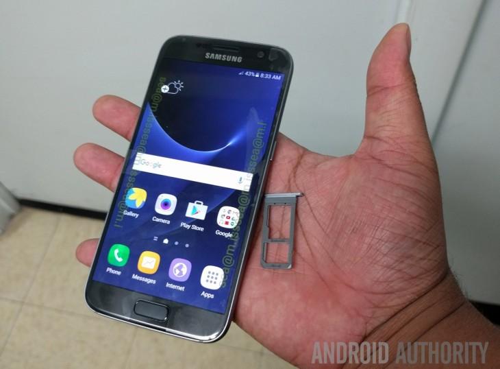 La fente microSD du Galaxy S7 dévoilée dans une nouvelle fuite